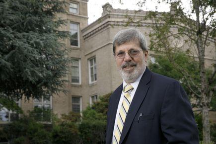 Edward Neuwelt M.D.