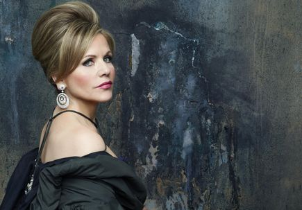 OHSU hosts Renée Fleming for discussion of music and neuroscience