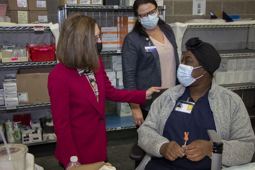 Governor Visits All4Oregon COVID-19 Vaccination Site