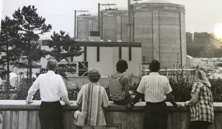 onlookers from WOE back porch - probably mid-70s based on construction