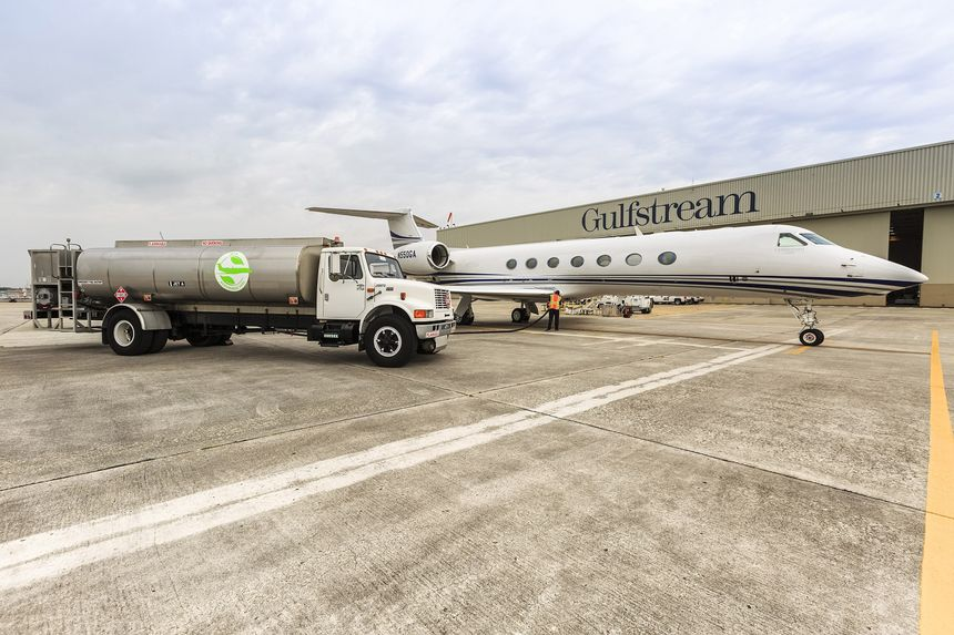 Gulfstream Flies G450 And G550 To EBACE On Renewable Fuels_G550