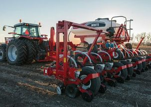 White Planters Introduces 9000 Series with All New 12 Row, Narrow Transport Row Crop Model