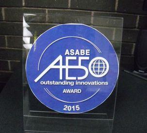 AGCO_Gleaner_AE50_Award_72dpi_01052015.JPG