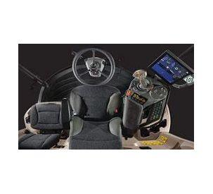 Gleaner-S9-Combine-Cab-Interior-250x150px-72dpi-11122015.jpg