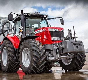 Massey Ferguson introduces the world's first 200 hp four-cylinder tractor - The MF 6718 S