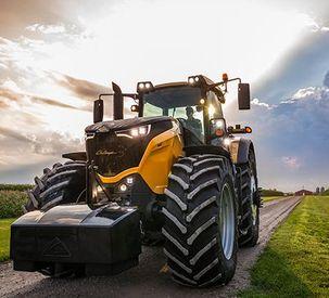 Challenger 1000 Series Tractors Debut at Farm Progress Show