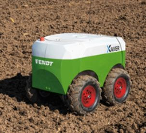 Fendt puts the new robot 'Xaver' to use