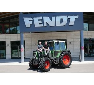 On tour: Two guys and a Fendt Farmer 306 LSA, 1982 model