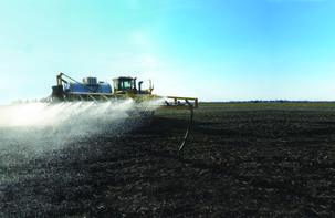 TerraGator 8400B (Spraying)