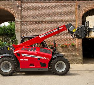 Uncompromising performance from semi-compact MF TH.7030 telehandler