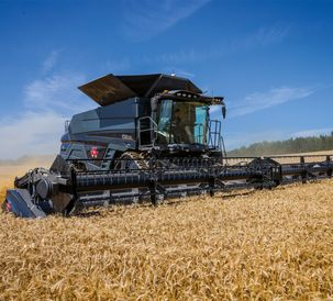 MF-IDEAL-9T-COMBINE_WORKING_CZ_0717-1563