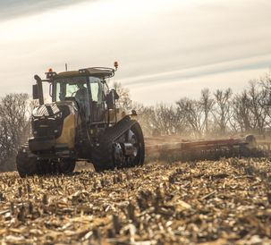 NA-AGCO-Challenger-MT743-track-tractor-tillage-2017