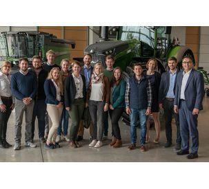 DLG trainees visit Fendt
