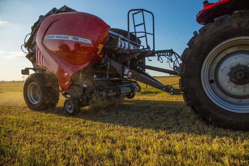 AGCO Massey Ferguson Round Baler Debuts at Farm Progress 2018_1