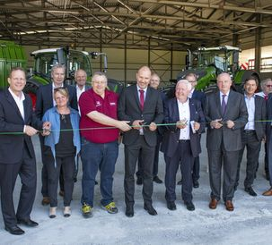 Fendt Supervisory Board officially opens the new exhibition hall