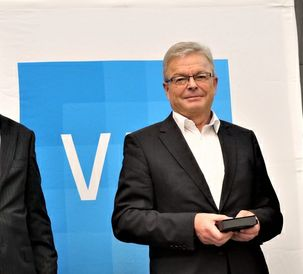 Dr. Heribert Reiter receives the EurAgEng Recognition Award