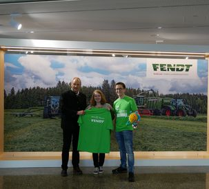 72-hours of social engagement: T-shirt handover at Fendt Forum in Marktoberdorf
