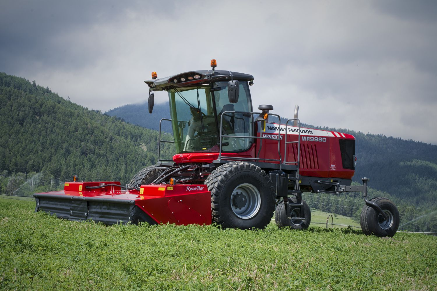 Hesston by Massey Ferguson Introduces 9300 Series RazorBar Rotary Disc Headers