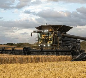 The large combine harvester range welcomes the Fendt IDEAL 10
