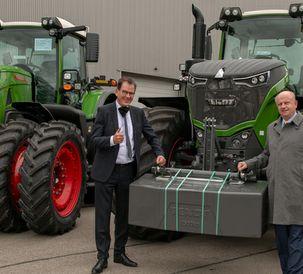 """Agriculture is a growth industry"" Federal Minister Gerd Müller meets Martin Richenhagen at Fendt"