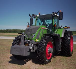 AGCO_NA_AE50-Fendt_724Vario_rightview_06055_080420