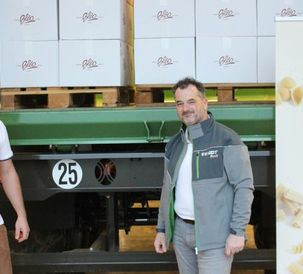 Fendt team in France donates tractor noodles to food banks