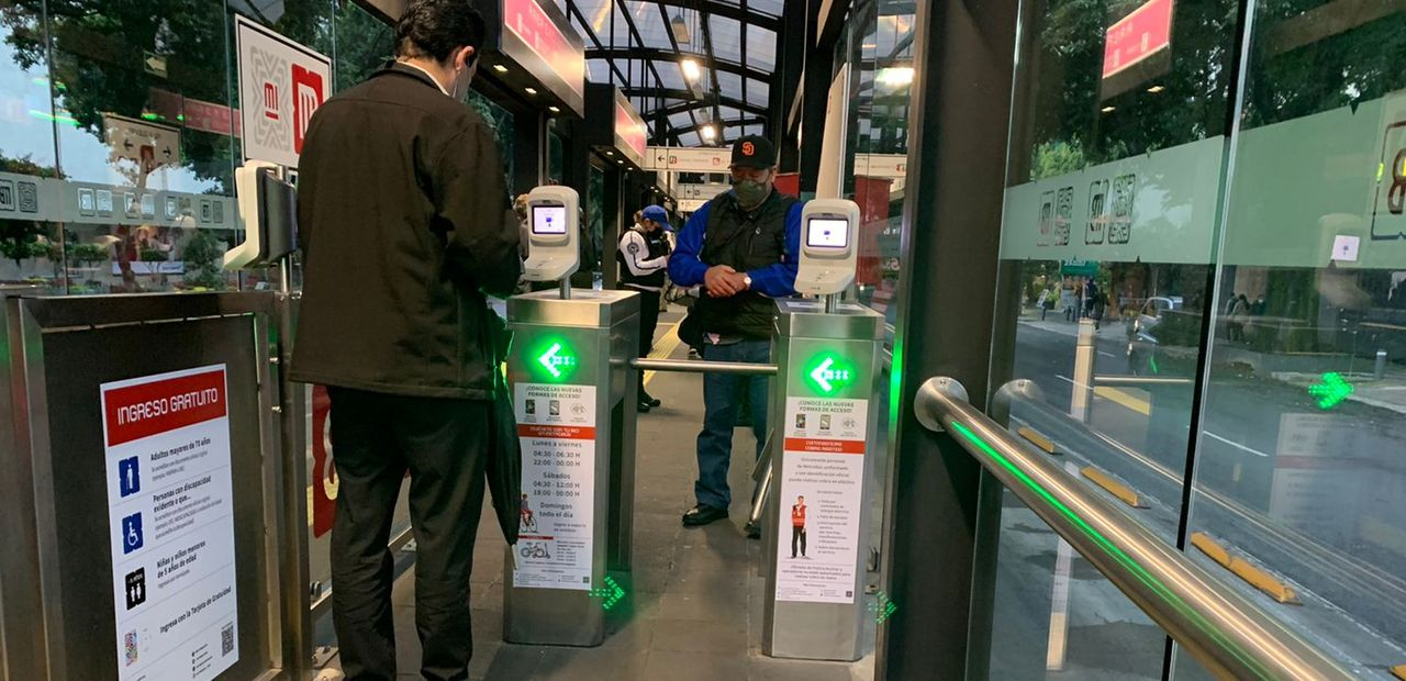 Mexico City Metrobús Payment Validators