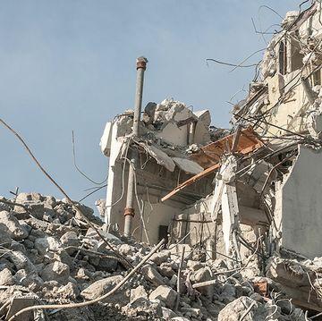 Earthquake (damage, rubble)