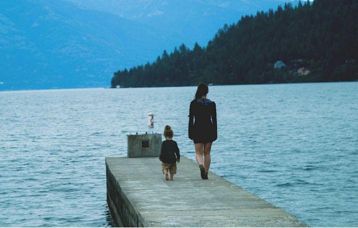 她害怕成為媽媽,害怕失去自己的人生