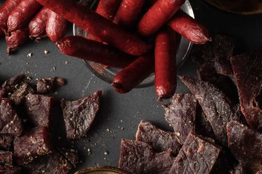 Omaha Steaks® Launches Steak Snacks in Retail Stores Nationwide