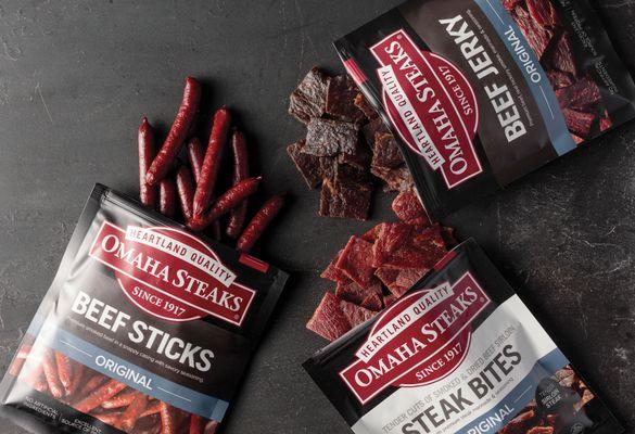 OmahaSteaks_STEAKSNACKS_Meat Snacks 1_HERO_201904292158