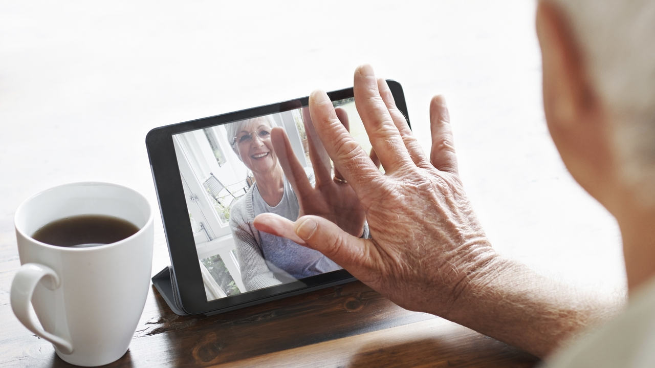 Family videos reassure dementia patients and ease confusion