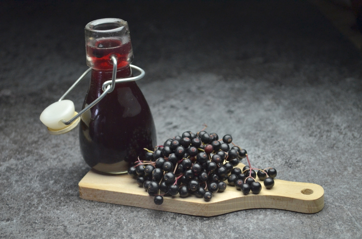 Elderberry syrup for flu? Here are the facts.