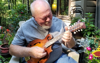 Bluegrass picker finds relief in shoulder replacement