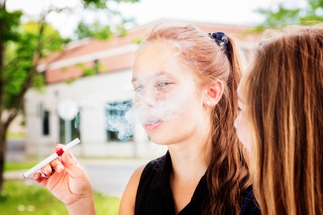 E-cigarettes pose threat to users' AND  bystanders' health