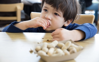 FDA approves first-ever drug to treat peanut allergy in kids