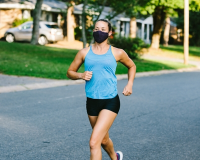 How to get used to running with a mask – and why