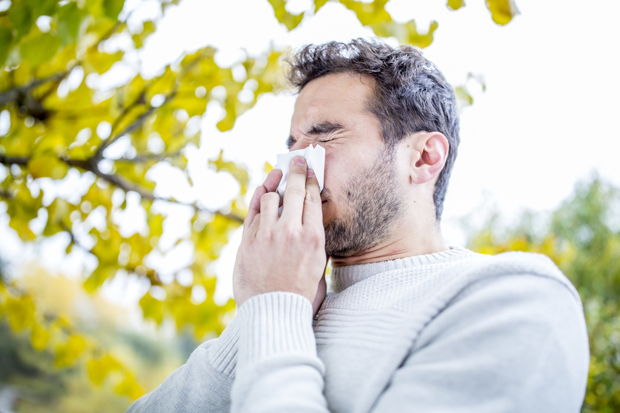Is it allergies or the coronavirus? 4 ways to tell.