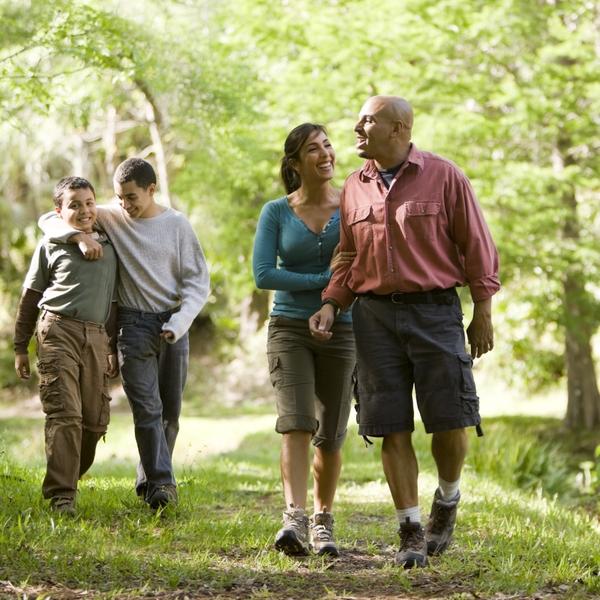 2470_Latino-Female_Male_Children-Hiking_Outdoors-lifestyle_ORIGINAL