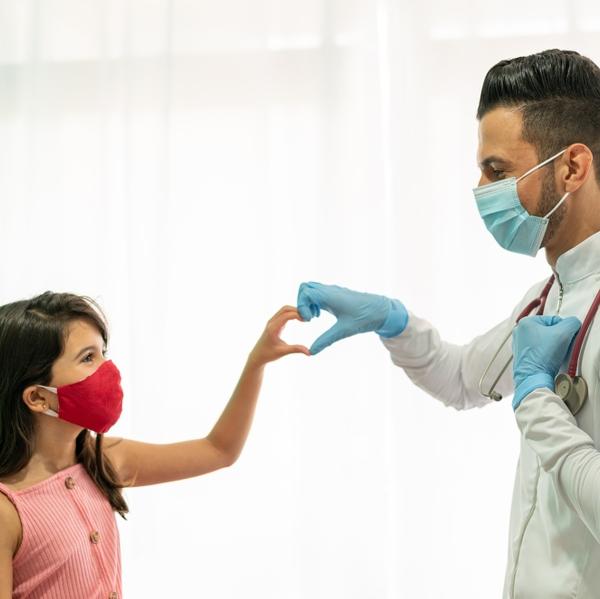 CTA Latino child and doc