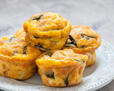 2 recipes: Easy, tasty, healthy spinach quiche cups  with Canadian bacon; whole-grain muffins