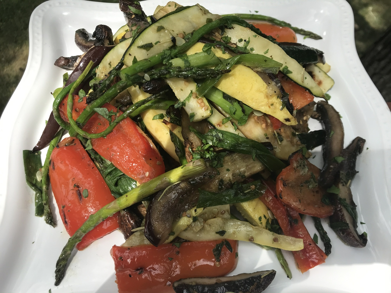 Grilled Basil and Vegetable Salad: Who Needs A Burger?