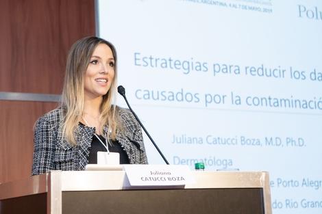 Juliana Catucci Boza Presenting