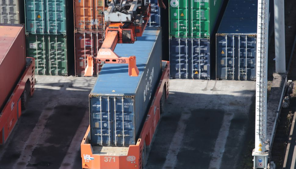 Supply chains: Building climate risk resilience