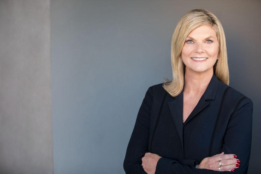 Lisa Davis Headshot 2