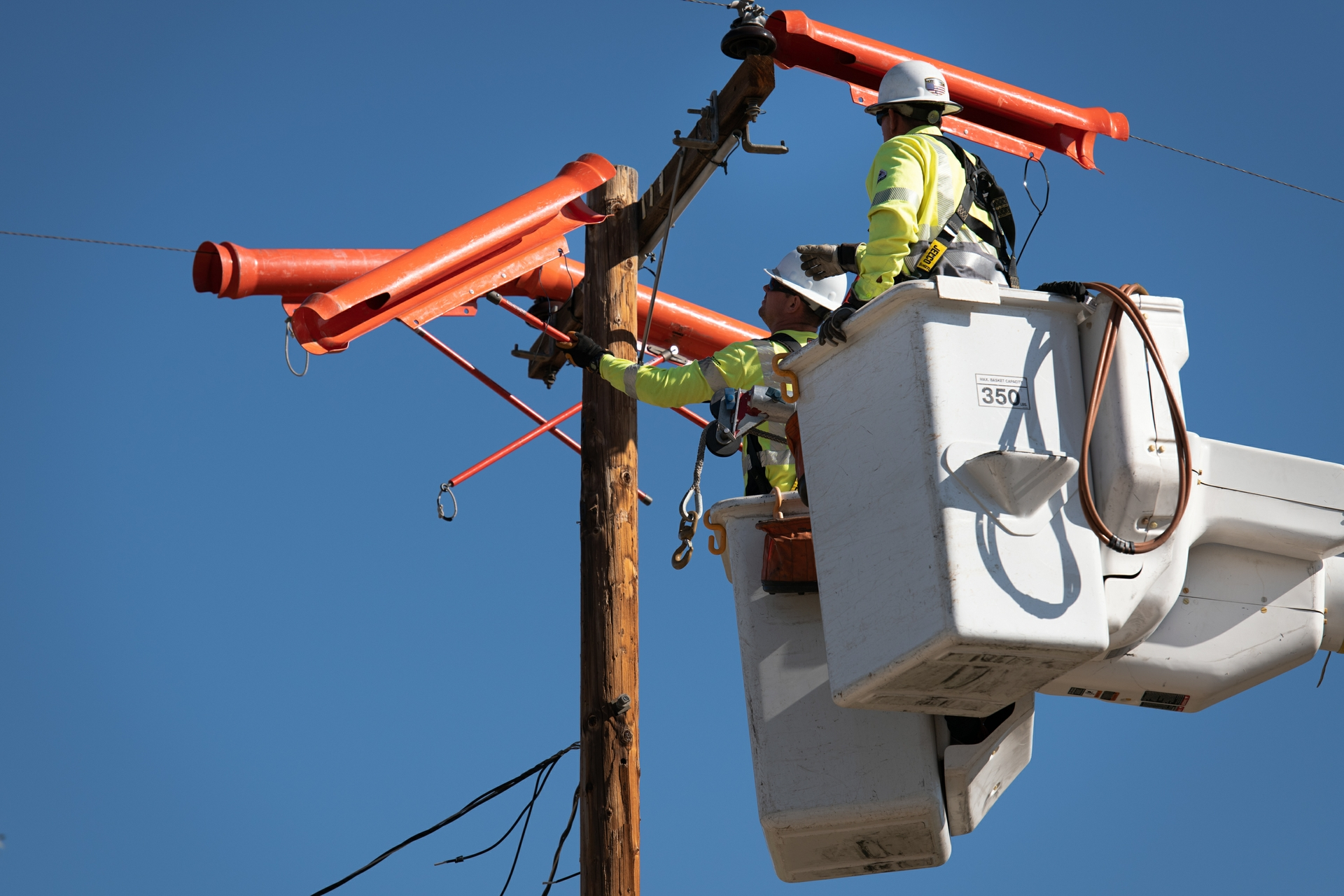 SCE crews install covered conductors in Aguanga just east of Temecula.