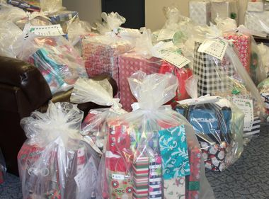 SCE Employees Deliver Christmas Gifts to Camp Pendleton Families
