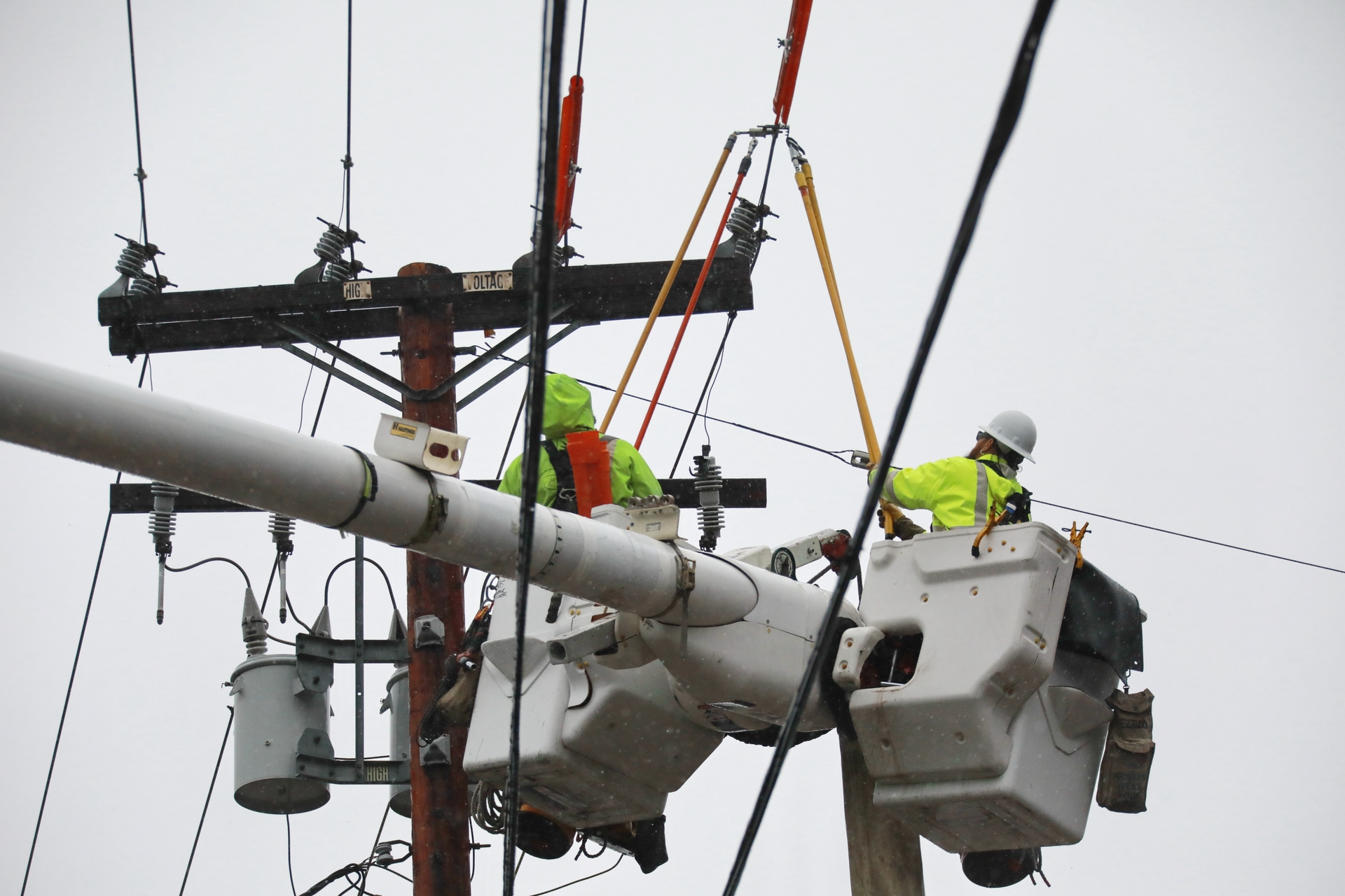 SCE crews work to restore power during a recent rainstorm.