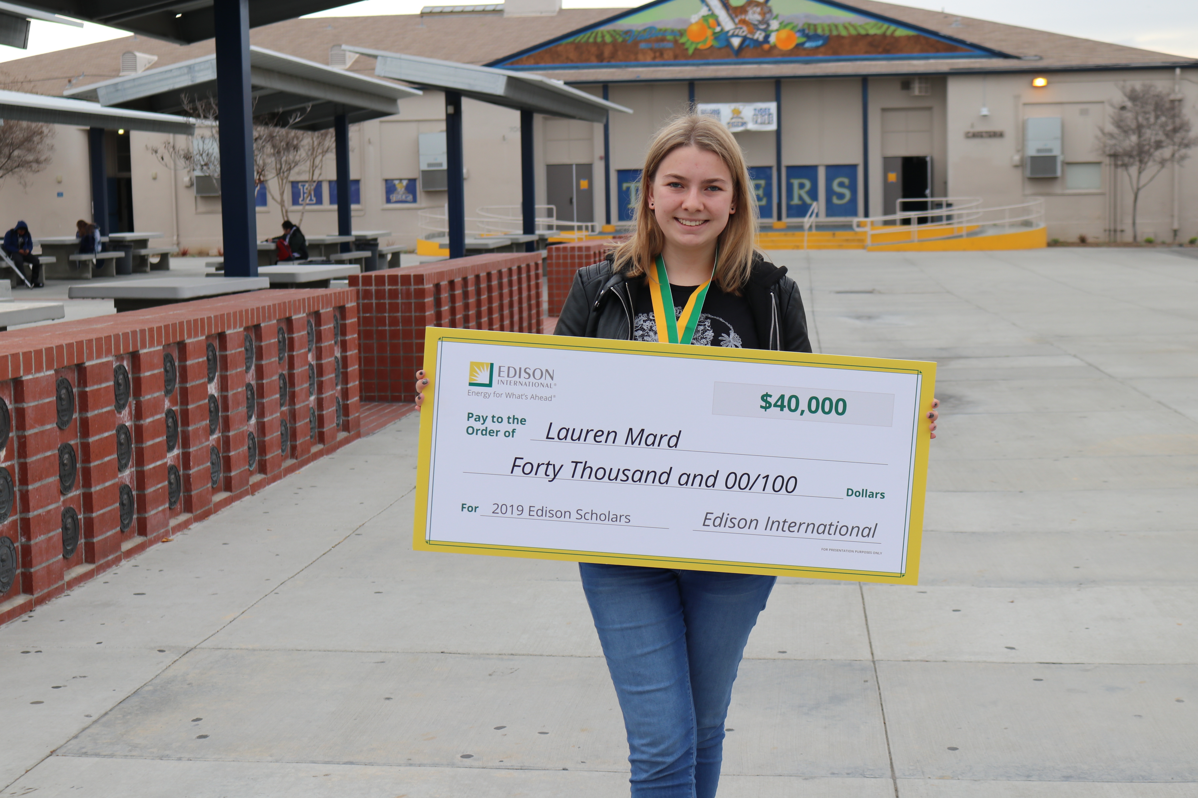 2019 Edison Scholar Lauren Mard at Valencia High School