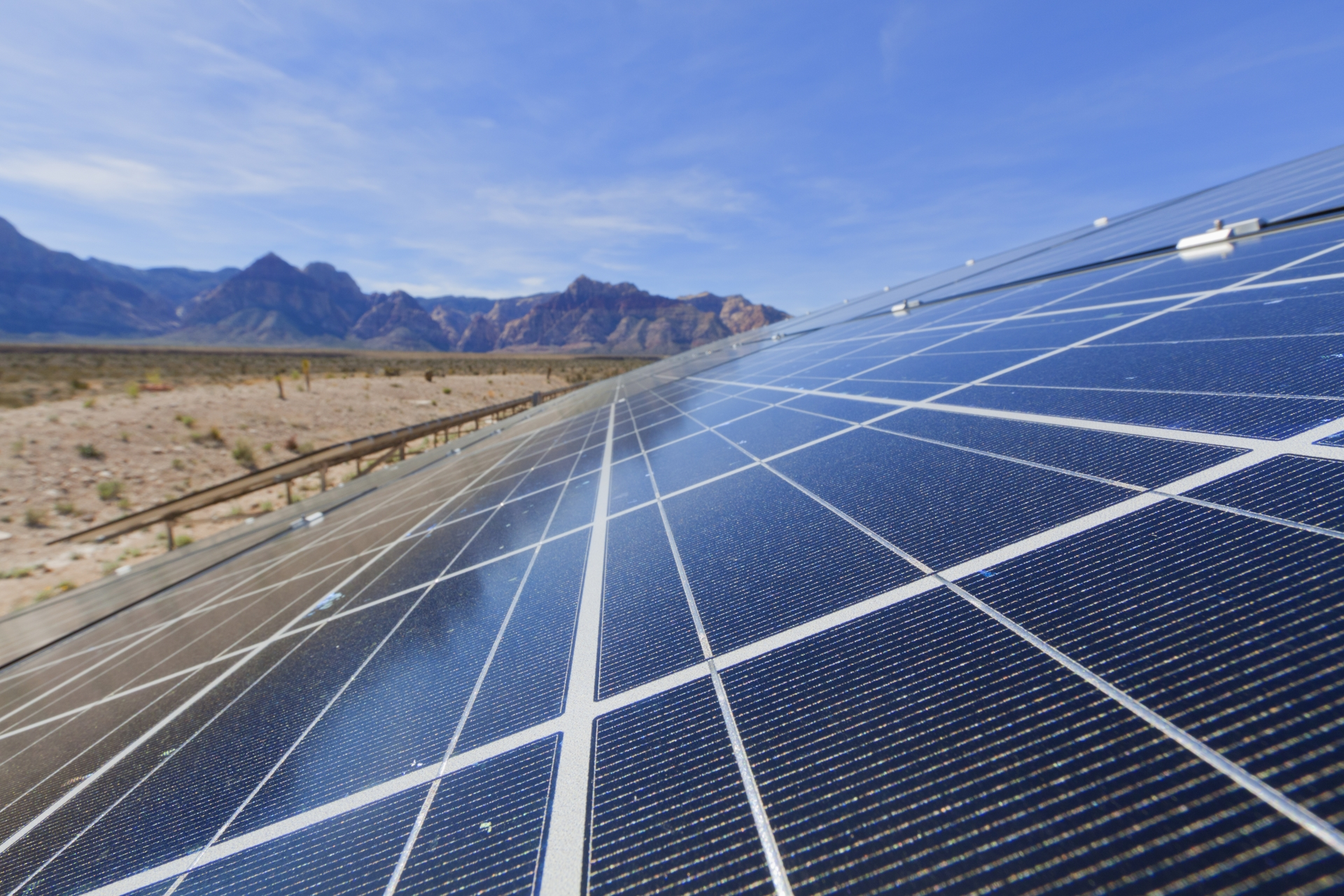 SCE has signed the first developer, SharedSolarCA, to its Community Renewables Program, a program that lets customers take part in renewable energy projects in their community.